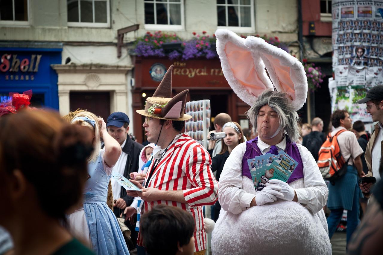 fringe street performers