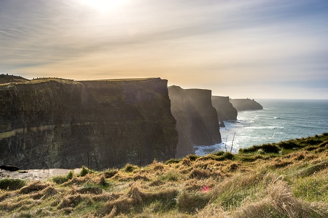 cliffs of moher ireland rising vacations